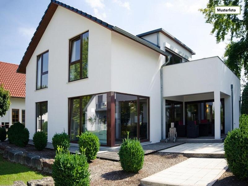 Doppelhaushälfte in 51377 Leverkusen, Eduard-Spranger-Str.