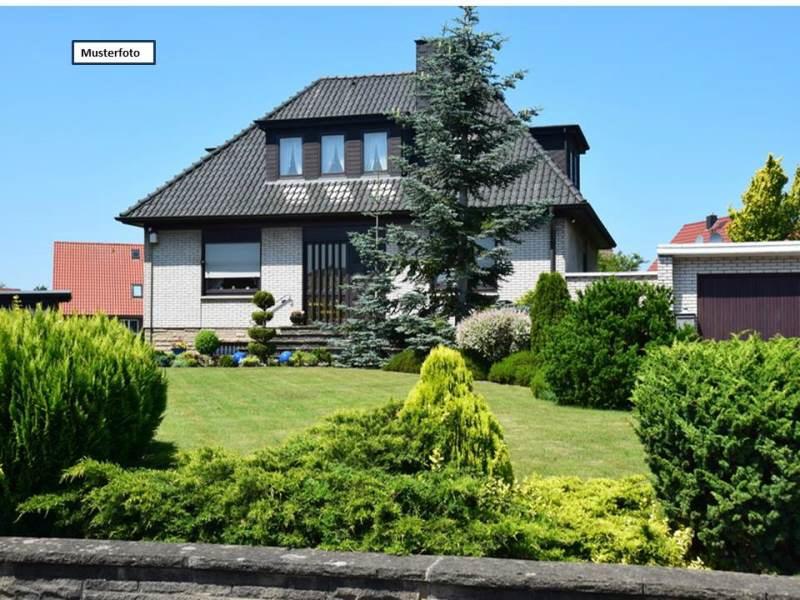 Zweifamilienhaus in 40625 Düsseldorf, Metzkauser Str.