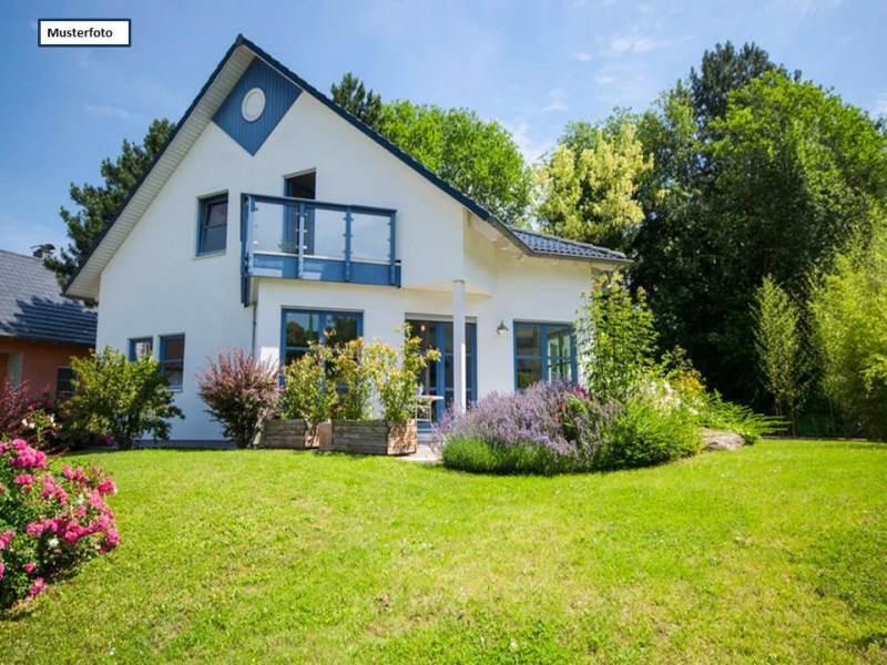 Doppelhaushälfte in 65812 Bad Soden, Forststr.