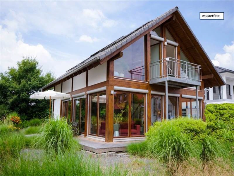 Einfamilienhaus in 06237 Leuna, Feldweg