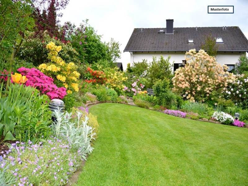 Einfamilienhaus in 26446 Friedeburg, Schwalbenweg