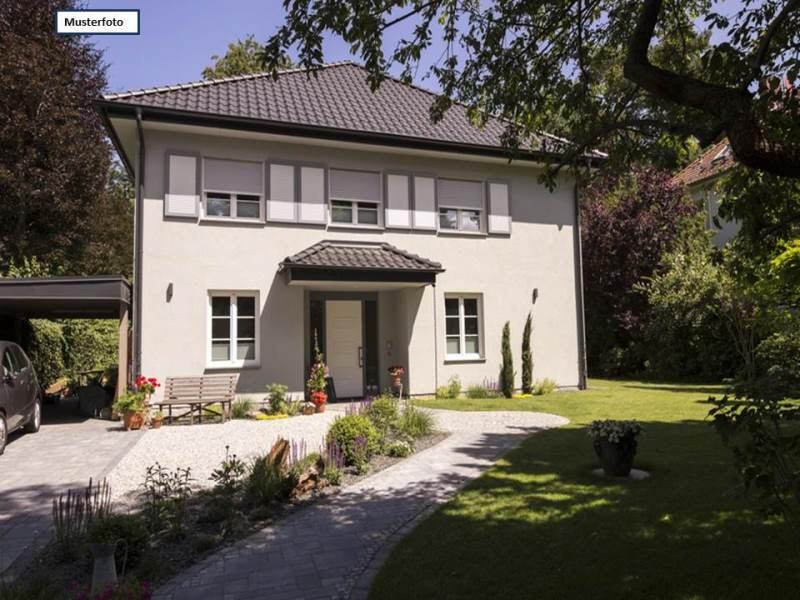 Einfamilienhaus in 26446 Friedeburg, Am Rennplatz
