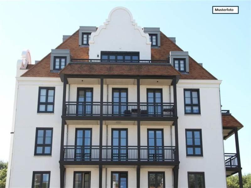 Zwangsversteigerung Dachgeschosswohnung in 46049 Oberhausen, Buschhausener Str.