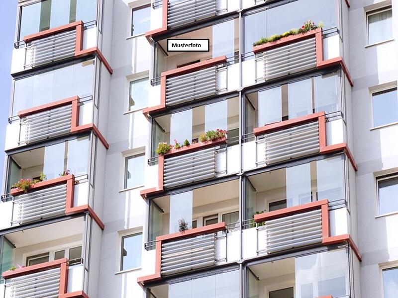 Etagenwohnung in 40476 Düsseldorf, Rather Str.